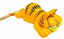Garfield - Phone - Garfield lying