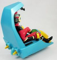 goldorak___high_dream___actarus_duke_fleed_cockpit__2_
