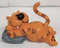 Heathcliff - Comic Spain - Heathcliff on pillow