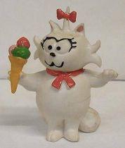 Heathcliff - Comic Spain - Sonia with ice cream