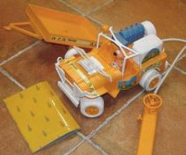 Heathcliff - Heathcliff\\\'s remote controlled Jeep