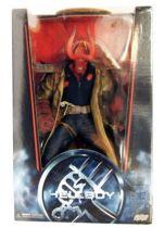 Hellboy - Mezco - Hellboy Battle Damaged Variant 45cm (18-inch) 01