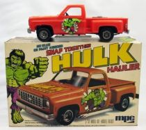Hulk - Hulk Hauler 1:32 model kit - MPC