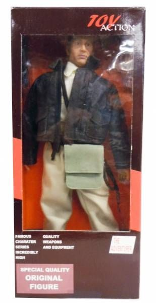 Indiana Jones - Hot Toys - Indy 12\'\' figure