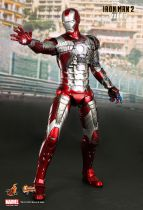 "Iron Man 2 - Iron Man Mark V - 12\"" figure Hot Toys Sideshow MMS 145"