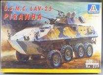 Italeri - N°259 USMC LAV-25 Piranha 1:35
