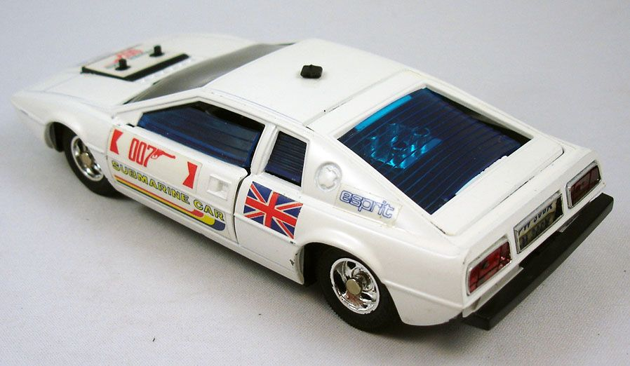 james_bond___eidai_grip___l_espion_qui_m_aimait___lotus_esprit_1_36eme__5_