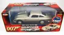 James Bond - ERTL Joyride - Goldfinger -  Aston Martin DB5 Echelle 1/18ème (neuve en boite)