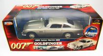 James Bond - ERTL Joyride - Goldfinger - Aston Martin DB5 Scale 1/18° ( mint in box)
