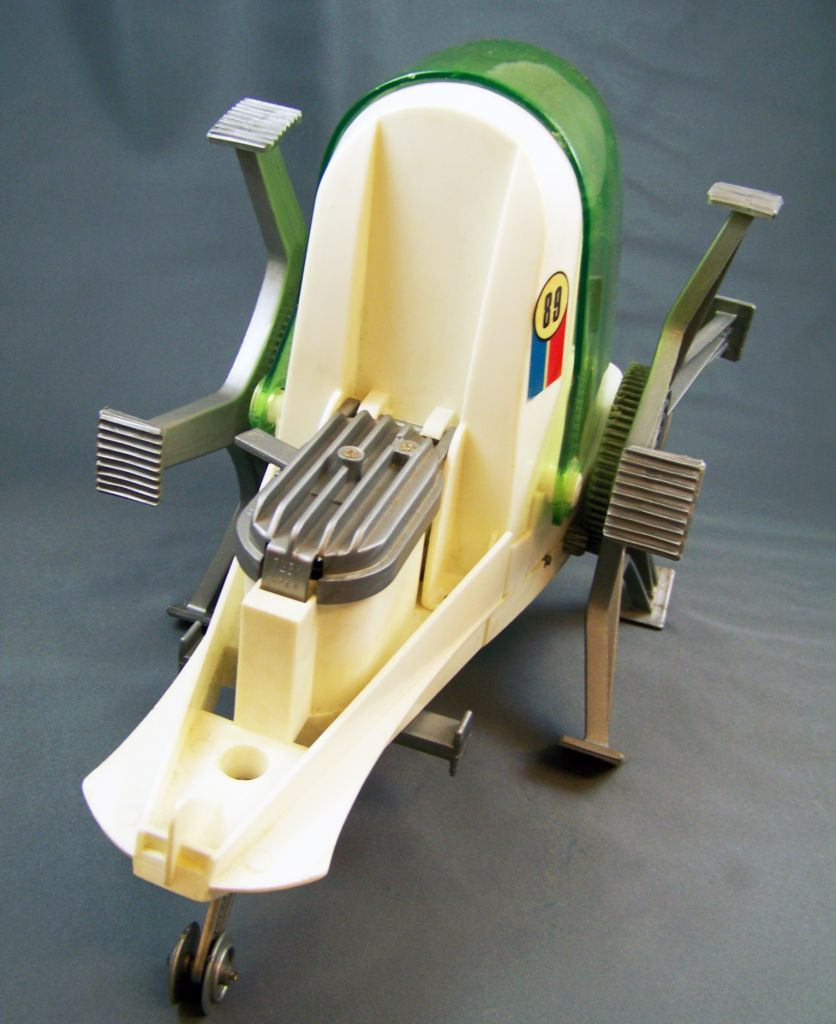 johnny_apollo___marx_toys___space_crawler_avec_mark_apollo__1968__09