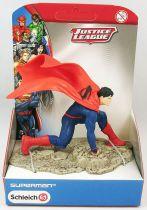 Justice League The New 52 - Superman landing - Schleich