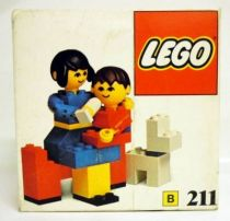 Lego Ref.211 - Mother and Baby with Dog