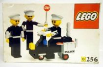 Lego Ref.256 - Police Officers and Motorcycle