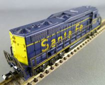 Lima 263 N Scale Santa Fe Diesel Locomotive Series Emd 7 N° 5426 with Light