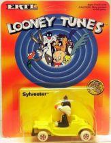 Looney Tunes - Ertl Die-cast - Sylvester in car (Mint on Card)