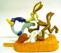 Looney Tunes - Premium Figures - Road Runner & Wile E. Coyote