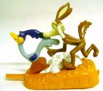 Looney Tunes - Premium Figures - Road Runner & Wile E. Coyote