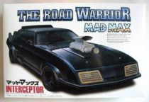 Mad Max The road warrior Interceptor model kit  Aoshima