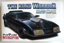 Mad Max The road warrior Interceptor model kit  Aoshima