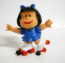 Mafalda (bleue) en rollers (rouge) pvc Comics Spain