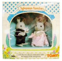 Mapletown - Sylvanian families - Marriage Celebration with Bride & Groom Rabbits - Tomy/Epoch