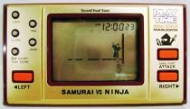Masudaya (Play & Time) - Handheld Game - Samurai vs Ninja (loose)
