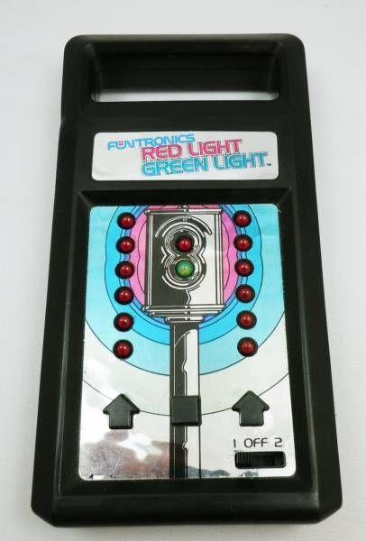 mattel electronics funtronics games feu rouge feu vert red light green light. Black Bedroom Furniture Sets. Home Design Ideas