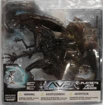 McFarlane - Alien vs Predator series 2 - Alien Queen with base