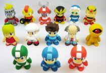 megaman_1___set_complet_de_14_figurines_vinyl_8cm___kidrobot_capcom