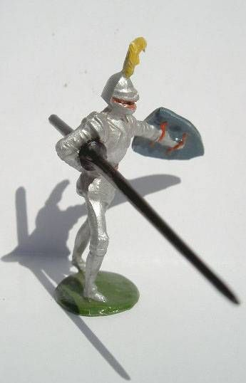 Merten 40mm - Middle Age - Footed Knight jousting