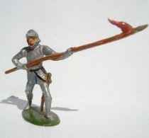 Merten 40mm - Middle Age - Footed Trooper in armour with spear (red flag) (ref 348))