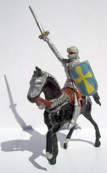 Merten 40mm - Middle Age - Mounted Knight Raising sword blue shield
