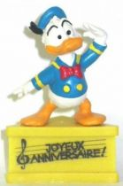 Mickey and friends - Bully PVC Figure with Base - Donald sailor saluting : Happy Birthday
