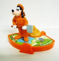 Mickey and friends - Mc Donald\\\'s Happy Meal Premium Figure - Trapper Goofy Disneyland Paris