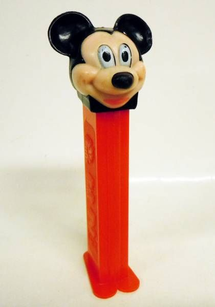 Mickey and friends - PEZ dispenser - Mickey (patent number 3.942.683)