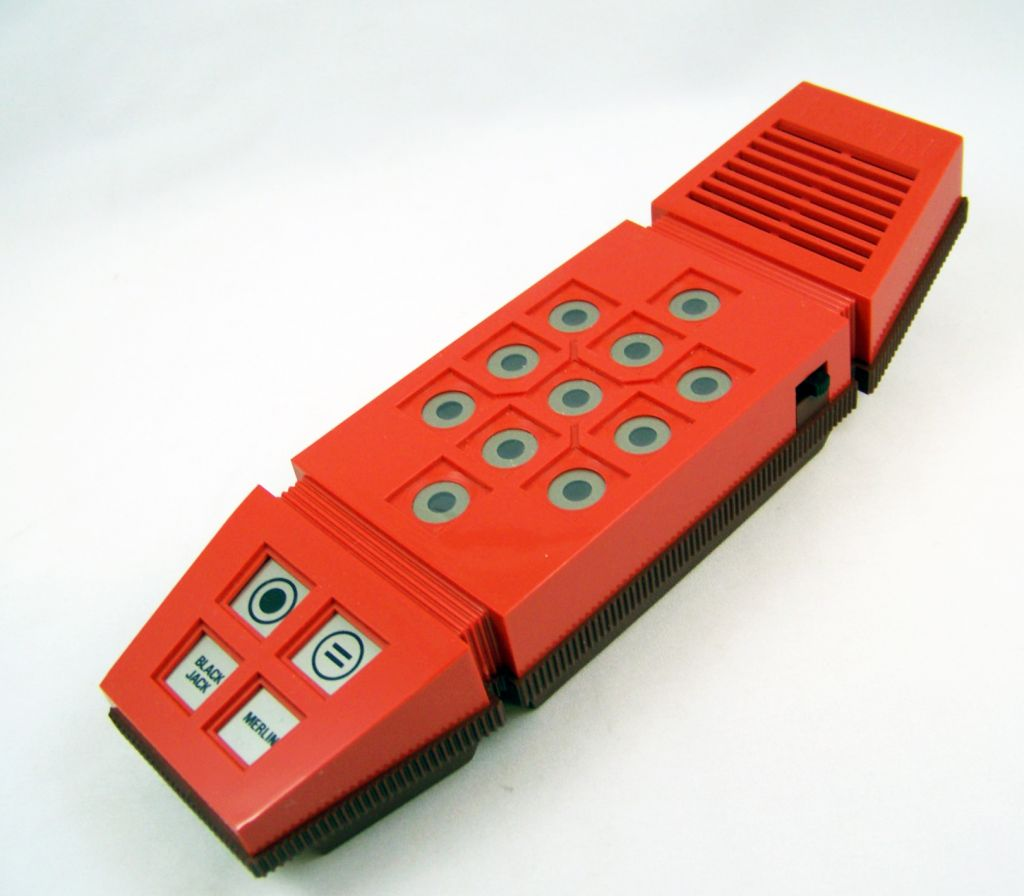 miro___handheld_game___merlin_05