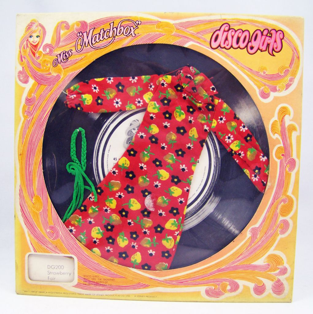 "Miss ""Matchbox\"" present the Disco Girls boutique - Strawberry Fair #DG200 - Hasbro"