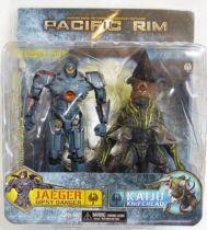 Pacific Rim - Jaeger Gipsy Danger & Kaiju Knifehead - NECA