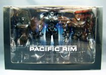 "Pacific Rim \""End Titles\"" - Jaeger Action Figure 3-Pack SDCC Exclusive - NECA"