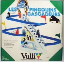 les_pingouins_cascadeurs___jouet_mecanique___vulli