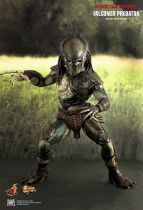 "Predators - Falconer Predator - 14"" figure Hot Toys MMS 137"