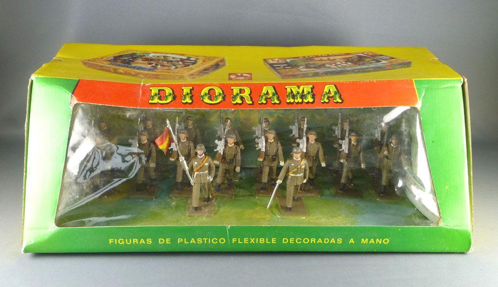 reamsa___armee_moderne_espagnole___boite_diorama_garde_civile_au_defile__1
