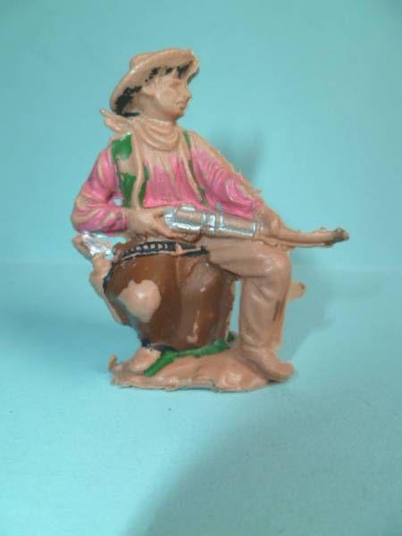 Reamsa - Far-West - Cow-Boys - Piéton assis sur tonneau carabine en main N° 67