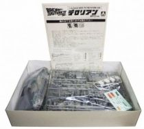 Retour vers le Futur - Aoshima Model Kit - Delorean Time Machine (type Part.II)