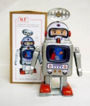 Robot - Mechanical Walking Tin Robot - Astronaut Robot (N.R.)