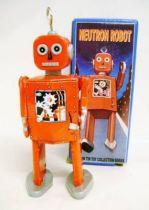 Robot - Mechanical Walking Tin Robot - Neutron Robot (St.John Tin Toy)