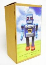 Robot - Mechanical Walking Tin Robot - Smoking Space Man