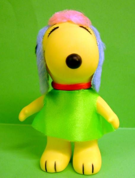 Snoopy - 6inches Vinyl Figure - Belle with green dress (blue ears)