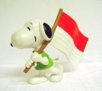 Snoopy - Comic Spain PVC Figure - Snoopy Flag Carrier (Red & White)