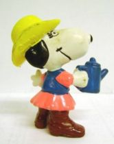 Snoopy - Schleich PVC Figure - Cowgirl Belle with Coffeepot